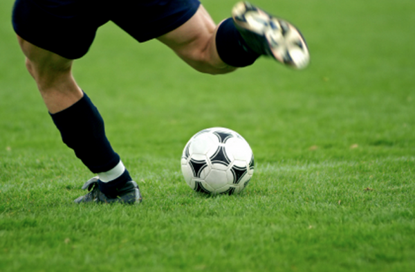 How to Improve Ball Control with Your Weaker Foot