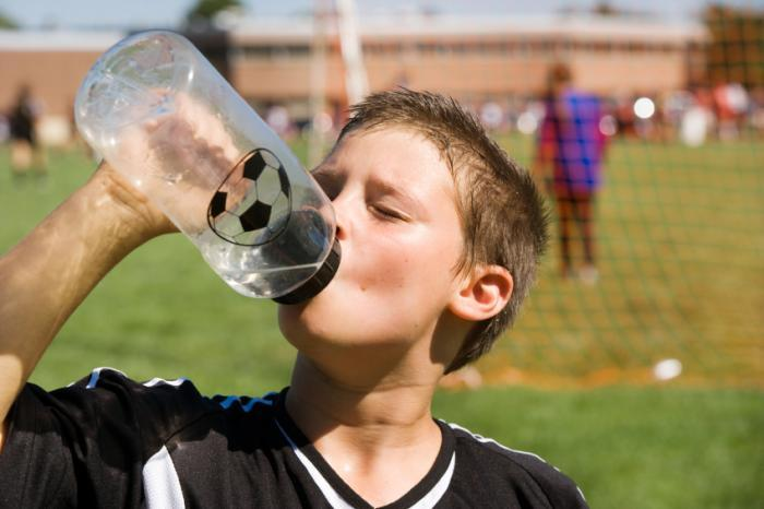 How to Stay Hydrated During a Football Match