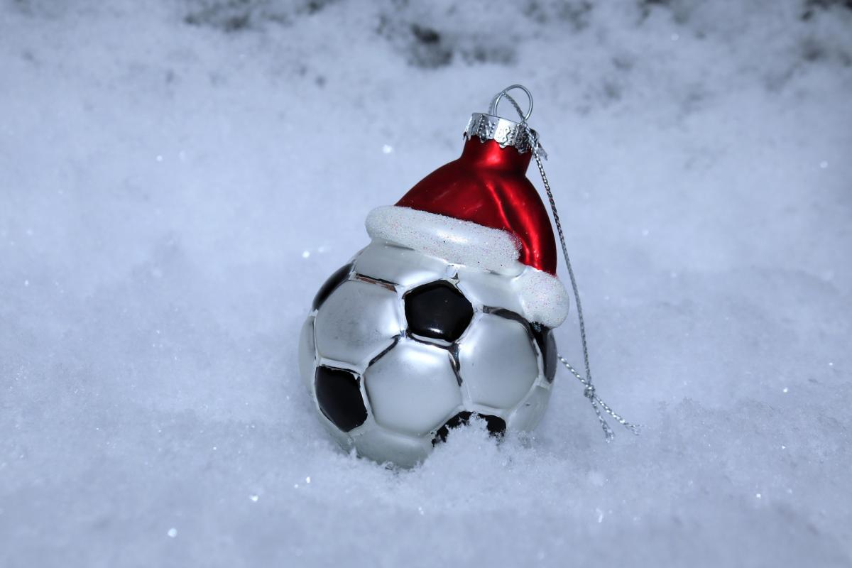 10 Ways Footballers Can Manage Fitness and Weight During the Christmas Period