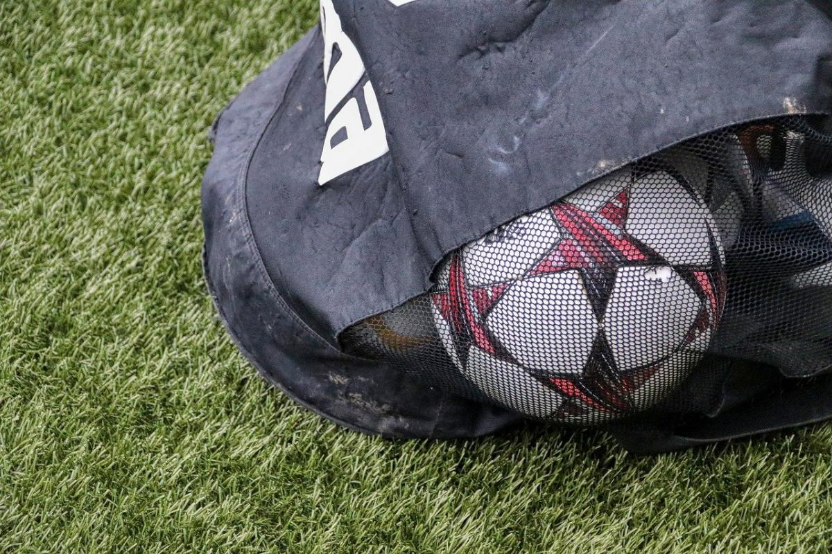 7 Things Every Football Coach Should Have in Their Equipment Bag