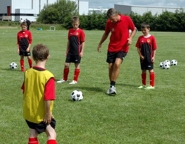 5 Ways to Keep Children Engaged During Coaching Sessions
