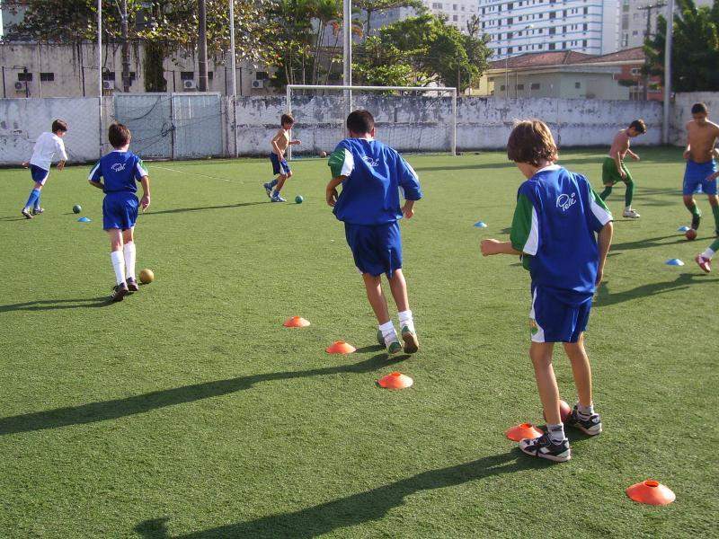 5 Training Drills for Improving Agility on the Football Pitch